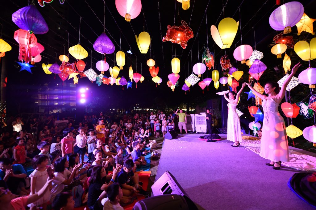Moonflowers, sky lanterns, laser shows and more at Wan Qing
